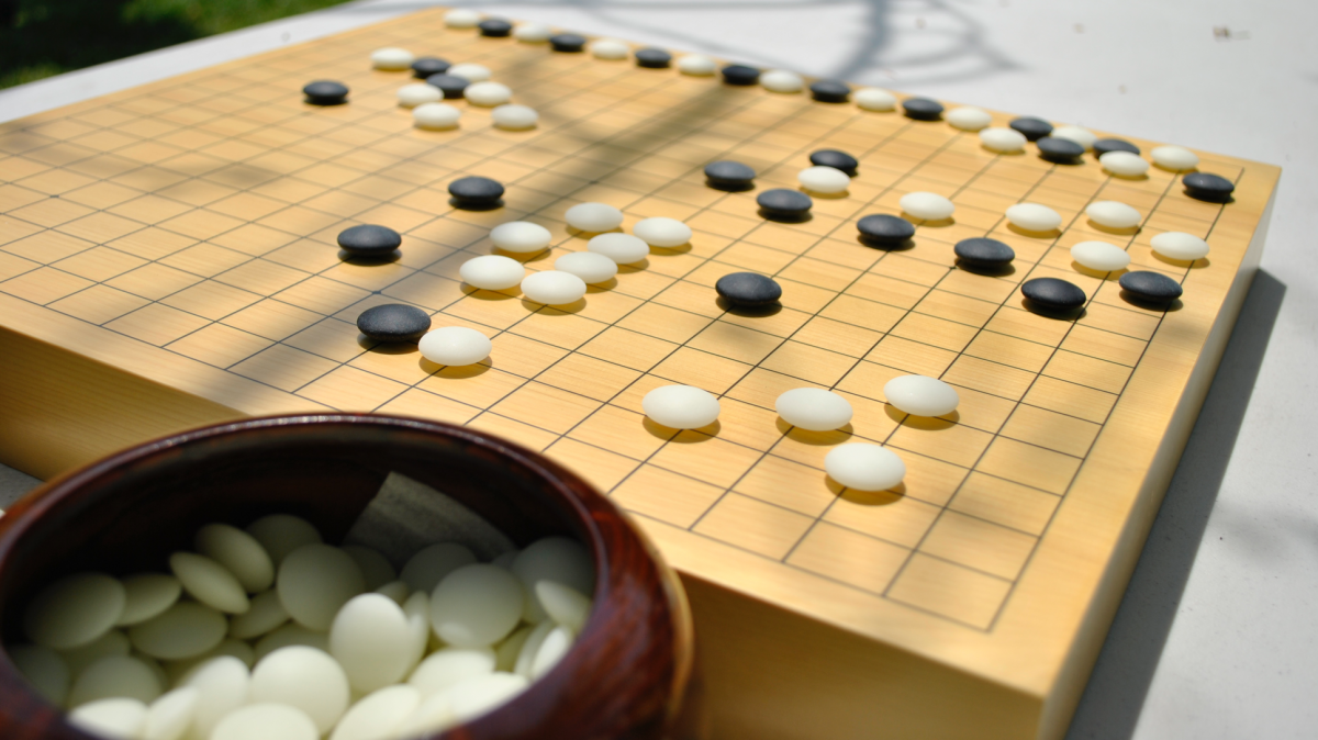 Understanding AlphaGo How AI beat us in Go — game of profound complexity